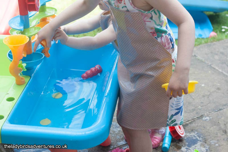 Apron, Tunic & Oilcloth Review – The Ladybirds' Adventures